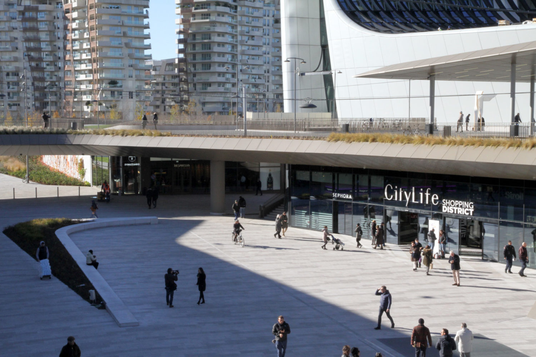 CityLife Piazza Tre Torri becomes a vibrant and integral part of Milan