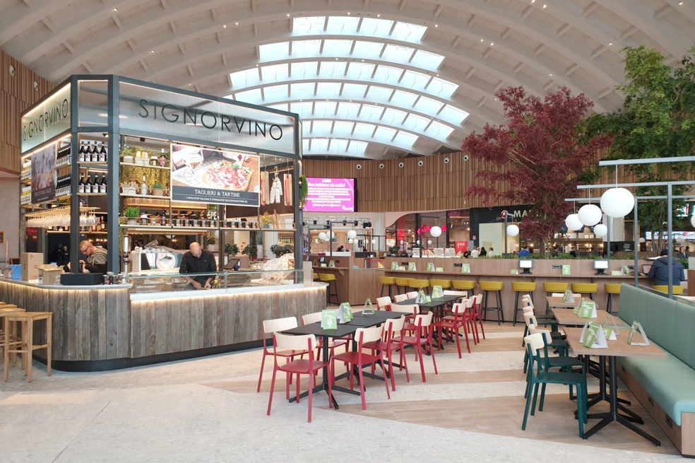 A new exciting Food Hall for Curno Shopping Center
