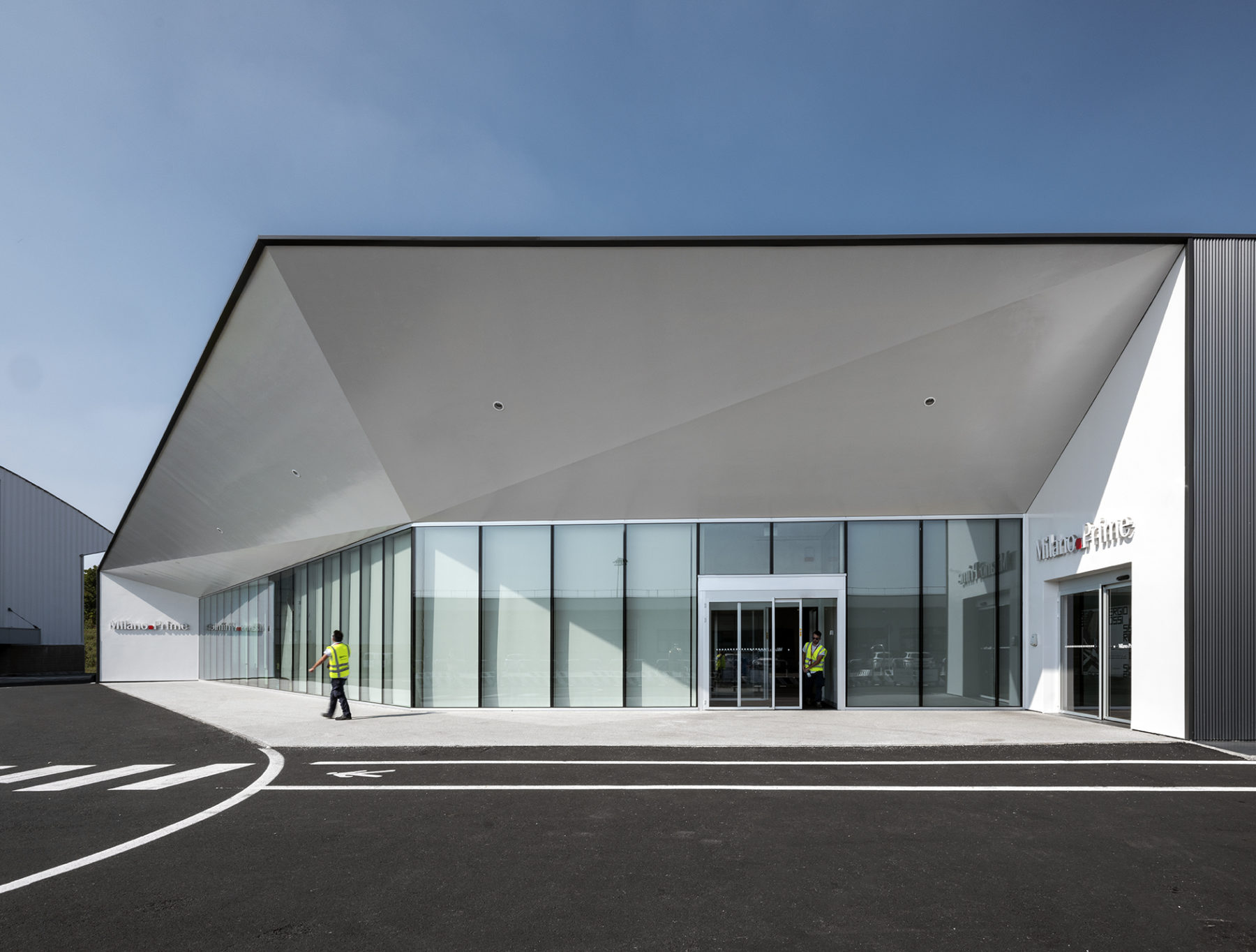 Abitare magazine reveals new Photos of our recently completed Malpensa VIP terminal