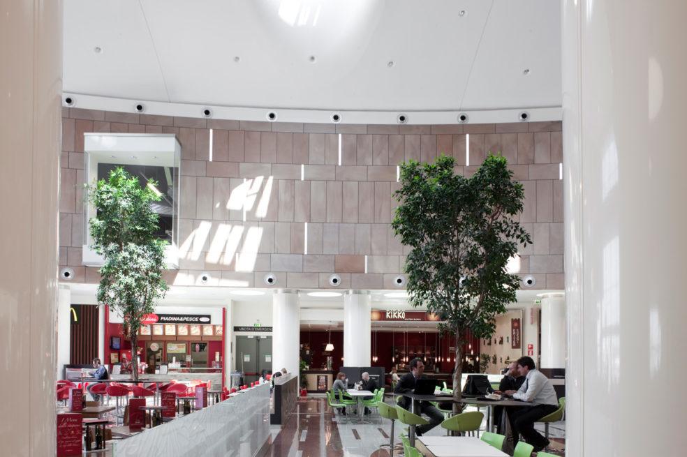 Carosello Commercial Center: Food Court